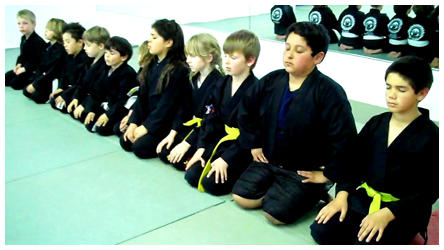 Kids class line_up